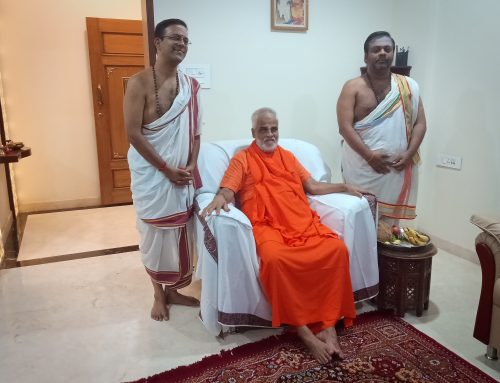 VSB with Swami Brahmananda of Chinmaya Mission Karnataka